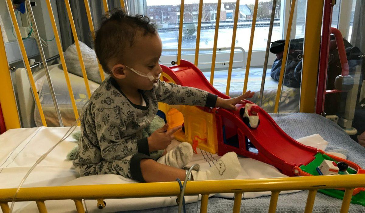 Zayne opgenomen in het ziekenhuis